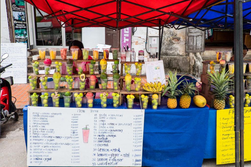 Bancarella dei succhi di frutta