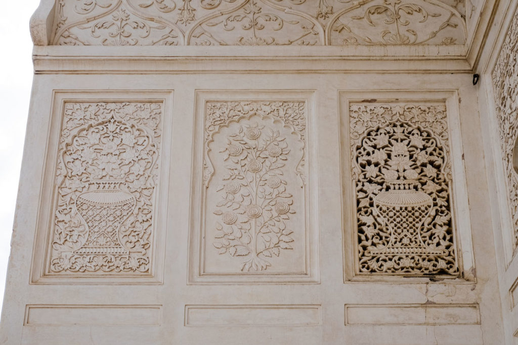 Aurangabad-08-Bibi-qa-Maqbara-stucco-decorations