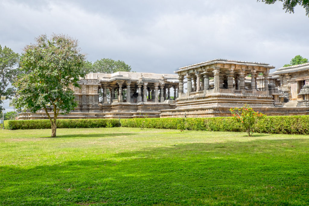 Halebid Hoysaleshwara Temple 01