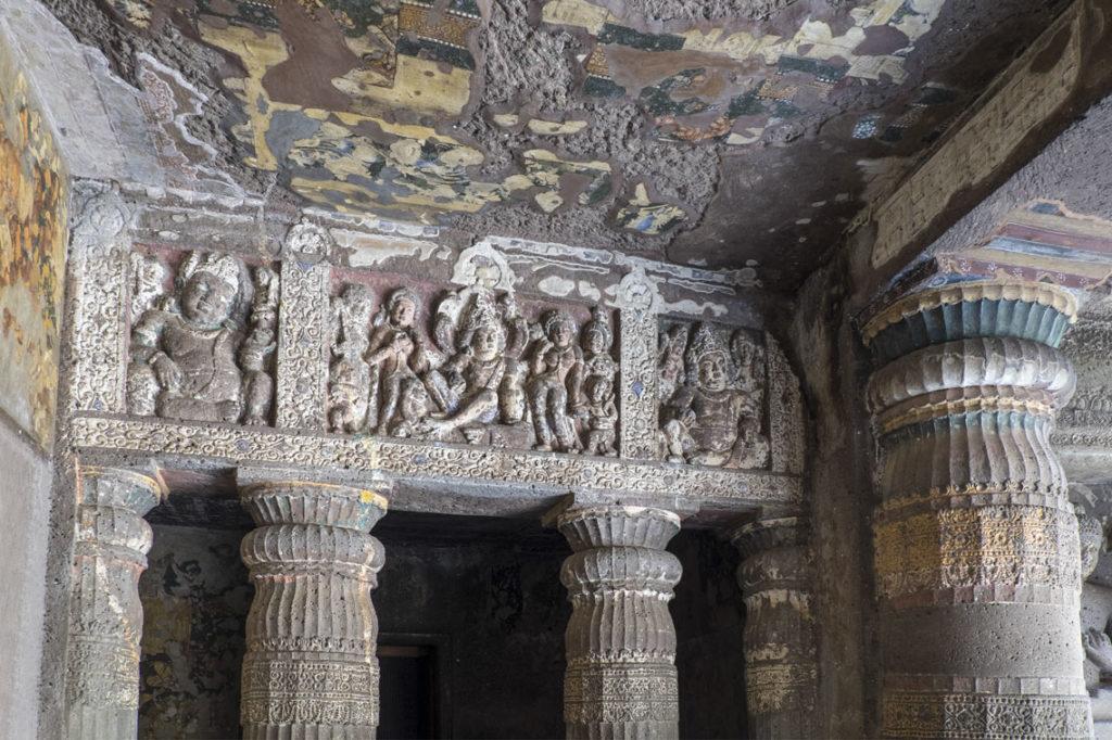 Ajanta-caves-25-grotta17