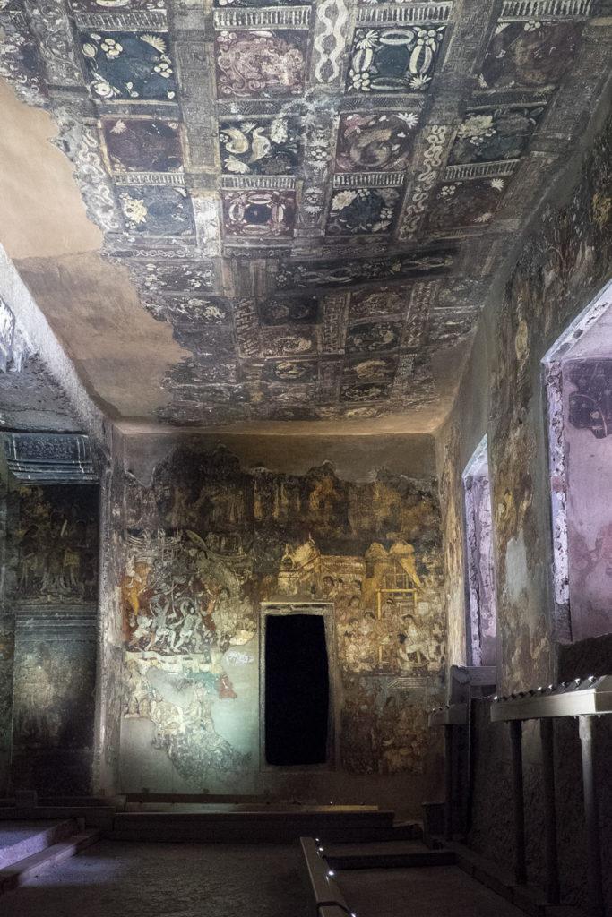 Ajanta-caves-27-grotta17