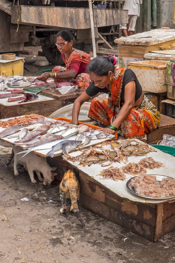 Colaba street market 04