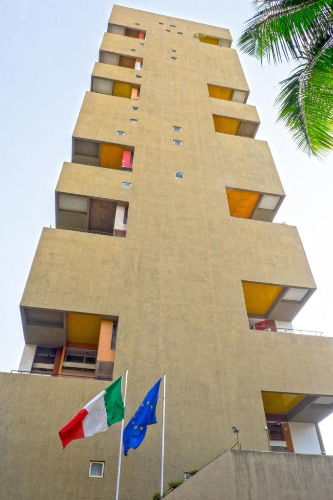 Charles Correa Kanchanjunga apartments 03