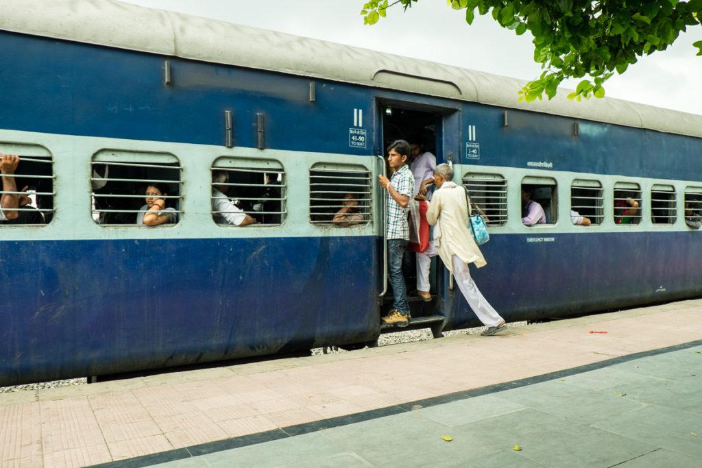 Jaipur treno