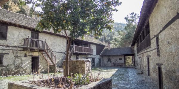 Agios Ioannis Lambadistis Monastery – Cipro (8)