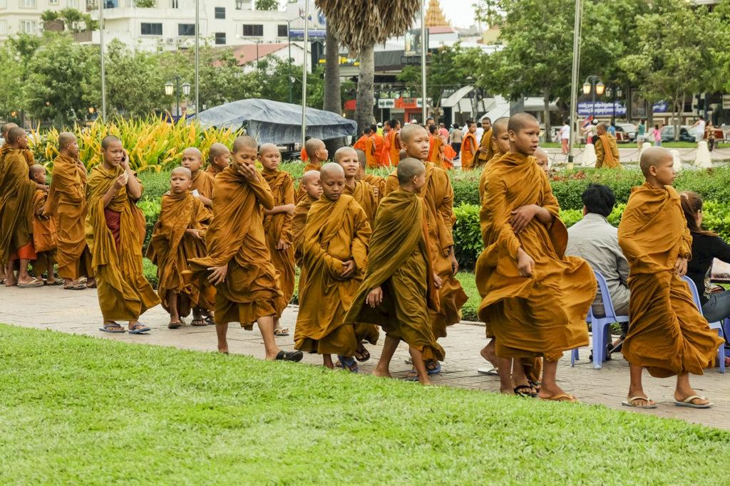Phnom Penh Monaci 05